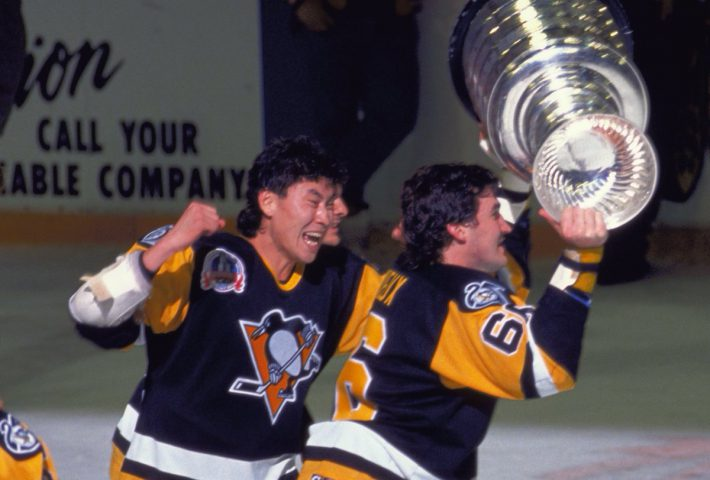 Jim Paek and Mario Lemieux with the Stanley Cup.